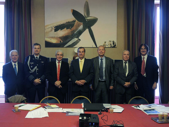 October 28, 2014: from left to right: Paul Kuentzmann Colonel Jorquera (attache and air defense, Embassy of Chile), Pierre Bescond, General Bermudez (Director of CEFAA), Luke Dini, Alain Boudier, François Praise. (Credit: 3AF)