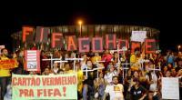 Da quando è iniziata la Coppa, è un po' scemata l'attenzione per i movimenti sociali che però continuano a scuotere la vita brasiliana. Ecco due aggiornamenti inviati da Sandro e trasmessi da RADIO ONDA ROSSA. E questa sera, tutti a tifare per l'Uruguay! https://www.ondarossa.info/newsredazione/brasile-molti-arresti-lapertura-dei-mondiali http://www.ondarossa.info/newsredazione/brasile-settimana-mobilitazioni Facebook Comments