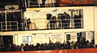 Redazione di Operai Contro, 4688 migranti sono morti da Gennaio e Settembre 2014. 3400 sono morti nel mediterraneo Della strage sono responsabili i padroni di tutto il mondo Un senegalese dal fattoquotidiano Lo scorso settembre 500 persone sono morte vicino alle coste diMalta. Due testimoni raccontano che gli scafisti hanno affondato le loro navi dopo che i migranti si erano rifiutati di trasferirsi, per l'ennesima volta dalla loro partenza dall'Egitto, in un'imbarcazione fatiscente. Due settimane dopo l'incidente, si contavano solo 11 superstiti identificati mentre altri testimoni sostengono che almeno 100 bambini fossero a bordo.E'solo una delle tragedie del mare […]