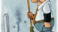 """Egregio Direttore, invio un esempio di demansionamento previsto dal Jobs Act. Nell'estratto di un articolo del """"Giorno della Martesana"""" che allego, il demansionamento è richiesto alla Polizia penitenziaria, ma nel Jobs Act è previsto in modo generalizzato per operai e lavoratori in fabbrica e in ogni posto di lavoro. Il demansionamento comporta, direttamente o indirettamente, anche un taglio della busta paga. Saluti da un lettore. Monza, 25 febbraio 2015 – Un giorno agenti, il turno dopo muratori, idraulici, imbianchini o lattonieri. Per mettere una pezza alle magagne strutturali del carcere.«Se non fosse una cosa scritta nera su bianco in […]"""