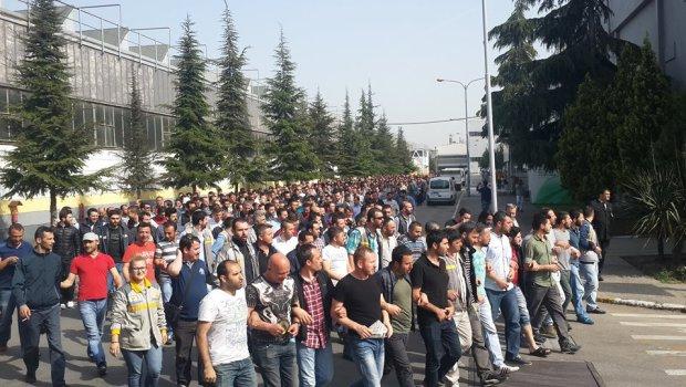 Metal İşçileri Birliği – MİB 18 h·Modificato· Ford Otosan'da işten atılan işçilerin işe iade davası bugün görüldü. Ford'da ilk işten atılan işççilerin bir bölümünün ilk duruşmaları bugün görüldü. 17 kişinin görüldüğü dava karar duruşmaları için ikiye bölündü. Dosya numarası tek ve çift olarak bölünen dosyada bir sonraki davalar 21 Aralık ve 26 Ocak'a ertelendi. Bu süreçta taraflar esasa yönelik savunmalarını yapacaklar. Mahkeme bir sonraki davaya gelmesi için Çalışma bakanlığından ve Sendika'dan evrak istedi. Bir sonra… Altro… Ford Otosan ' licenziato anche i lavoratori che il caso di restituire al lavoro oggi. Ford, e ' che il primo lavoro che […]