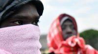 Non abbiamo per vocazione quella di ospitare tutti i migranti espulsi dall'Algeria. Così il ministro degli interni nigerino Mohamed Bazoum in seguito all'arrivo di centinaia di migranti ospitati nel centro OIM di Agadez. Originari del Mali, della Guinea e di altri paesi del Sahel, arrestati nella capitale e in altre città dell'Algeria, sono poi deportati nel deserto e abbandonati al sole di vento. Lui differenzia tra originari del Niger e gli altri che sono catalogati tra le non-persone, come scriveva anni fa l'amico Alessandro Dal Lago. Così, tra le categorie sociali, si può tracciare un confine: persone da una […]