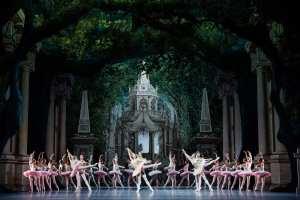En midsommarnattsdröm balett från Opera National de Paris på utvalda SF-biografer