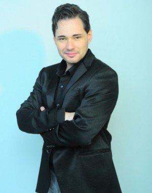 Ivan Defabiani tenor utbildad i Milano