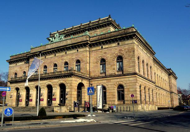 Außenansicht, Staatstheater Braunschweig, Foto: Helga Ewert / Pixelio