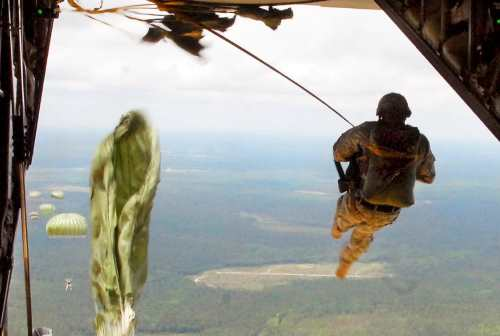army airborne school jump training