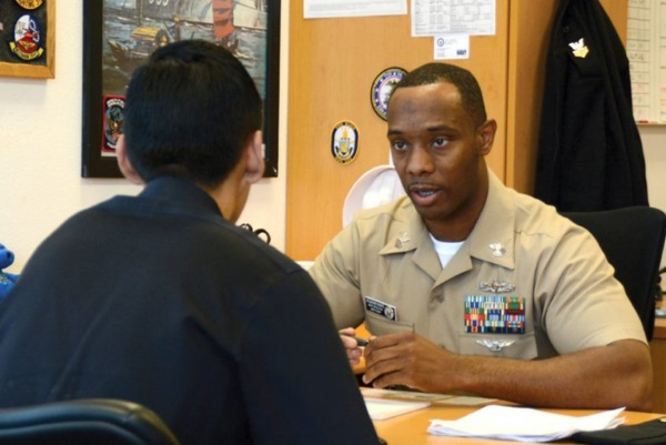 41 Questions To Ask A Military Recruiter (And 5 Lies To Watch Out For)