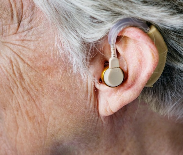 can you join the military with hearing issues