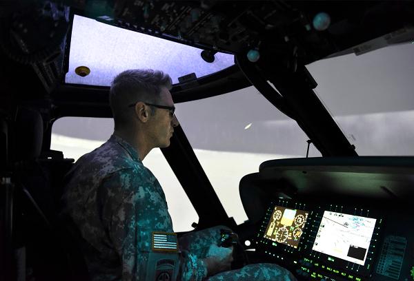 Entrenamiento en Simulador de Piloto del Ejército