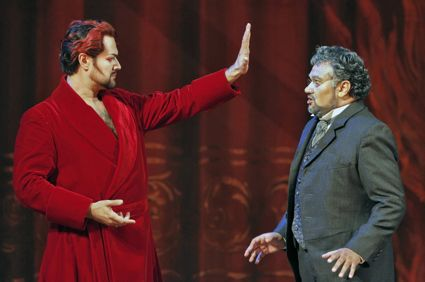 07 MEFISTOFELE HIGH FIVES FAUST