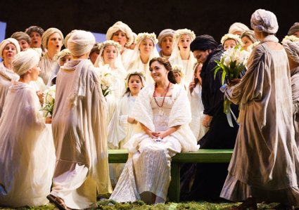 OTELLO 10 DESDEM W VILLAGERS (425)