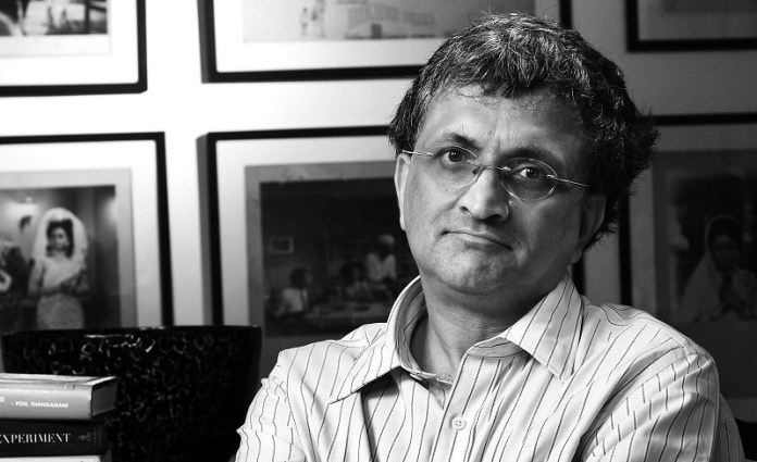 'Historian' Ram Guha gets slammed for falsely sullying Attorney General's reputation