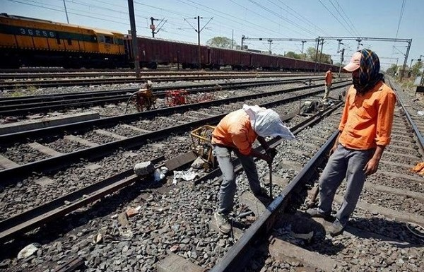Indian Railway sets one of its best safety records ever during the 2017-18 Financial Year