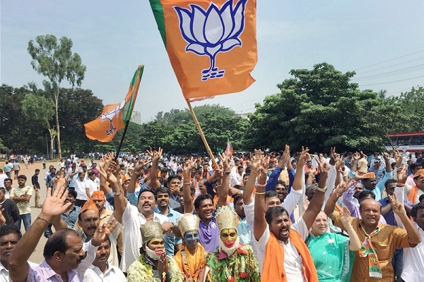 Indian Express journalist suffers a meltdown after trends suggest BJP's emergence as Karnataka's largest party