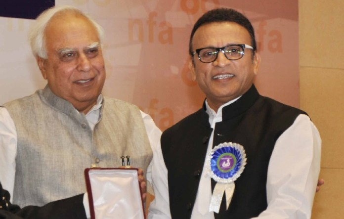 Annu Kapoor and Kapil Sibal