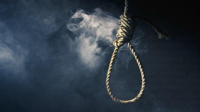 Female BJP worker Kalpana Bhuiyan was found hanging near Ammudiya village in Midnapore