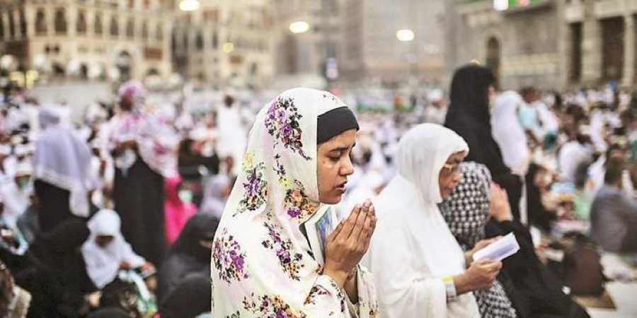 Sunni Muslim leaders in Kerala have stated that women should pray inside their homes and it has been explained by the prophet