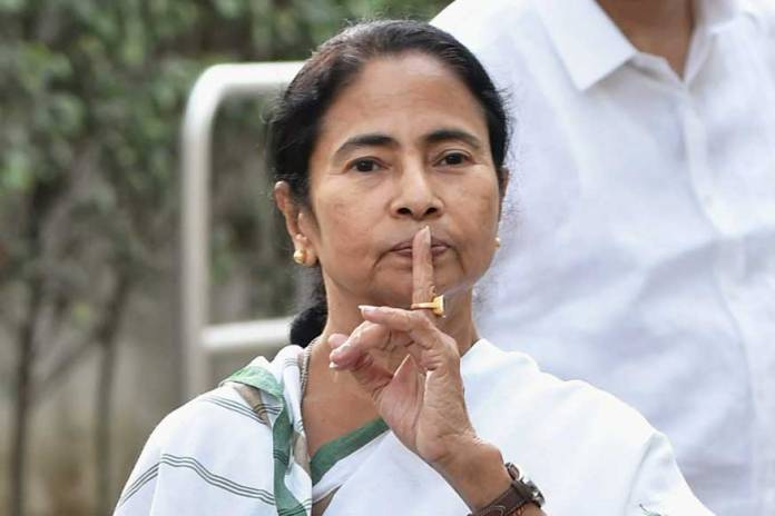 Mamata Banerjee flares up linguistic chauvinism as she orders people living in Bengal to speak in Bengali