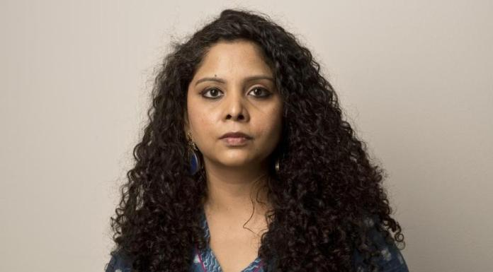 Rana Ayyub flustered as a journalists mentions religious identities of Aligarh murder case