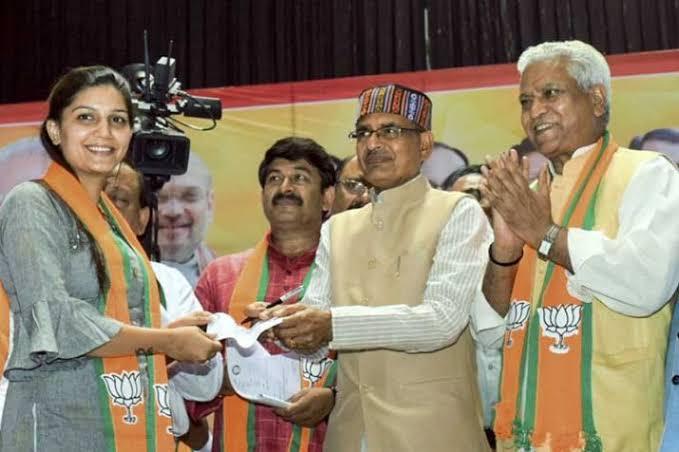 JJP leader Digvijay Chautala makes a sexist remark against new BJP member Sapna Choudhary