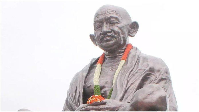 Gandhi statue vandalised in Naizamabad, pro-pakistan slogans written