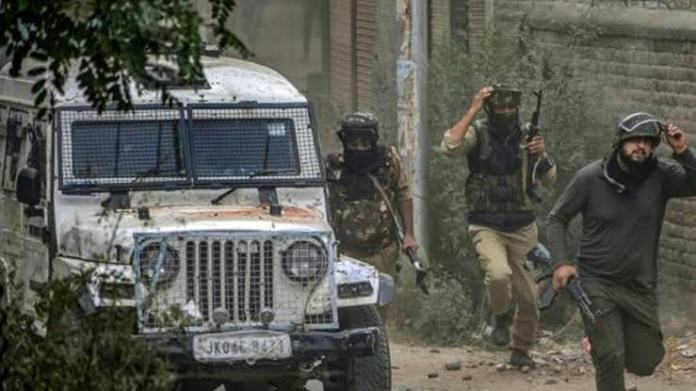 Terrorists hurl a grenade near Anantnag DC office