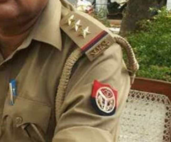 UP police book people for defying lockdown and raising communal slogans from rooftops