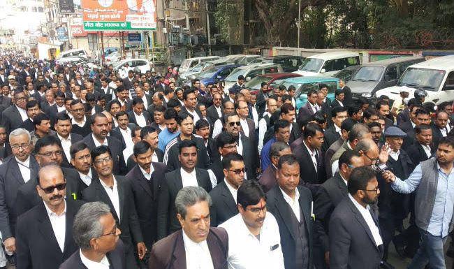 Ranchi lawyer shot dead, bar association holds protest