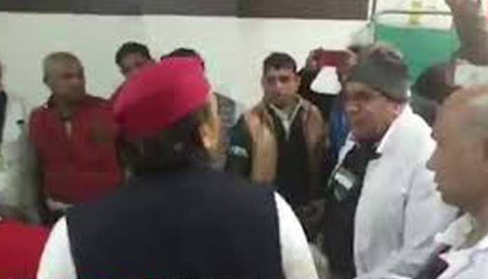 Akhilesh Yadav seen misbehaving with government doctor in viral video