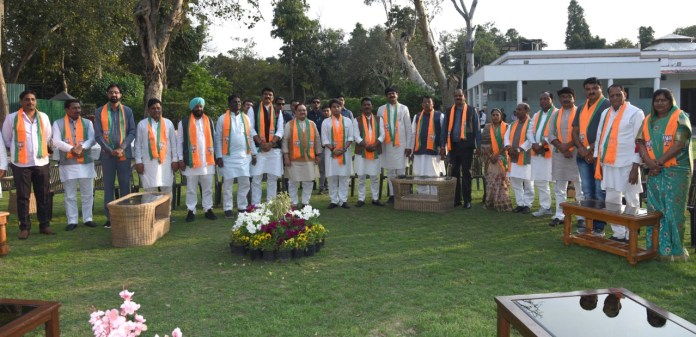 Congress Rebel MLAs join BJP