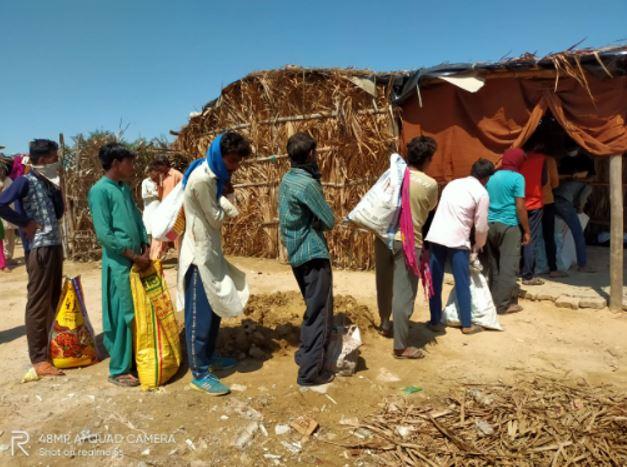 Coronavirus: RSS distributes rice, wheat and essential items to Pak Hindus