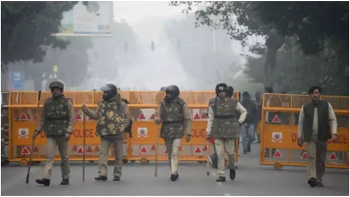 Delhi Police increase security ahead of Friday prayers