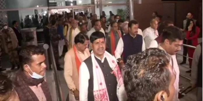 BJP MLAs are hoarded in Delhi as political crisis looms in Madhya Pradesh