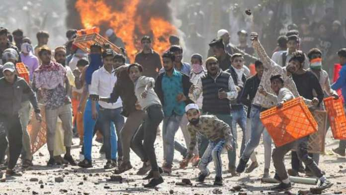 Mob that unleashed violence during Delhi-Anti Hindu riots came from UP