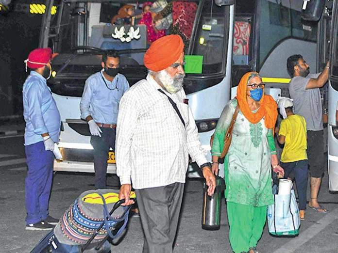 Media outlets deviously liken the widespread coronavirus infection among Sikh pilgrims to Tablighi Jamaat super spreader