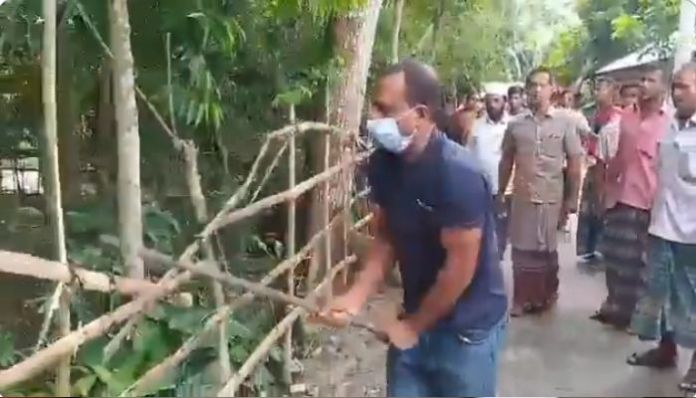 Bangladesh: Muslims destroy the fence of a 200-year-old Shiva temple