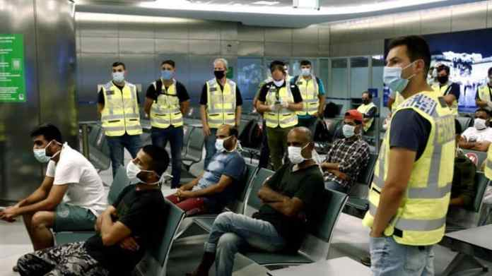 Around 30 illegal Pakistani immigrants held in Greece for aggressive behaviour at workplace