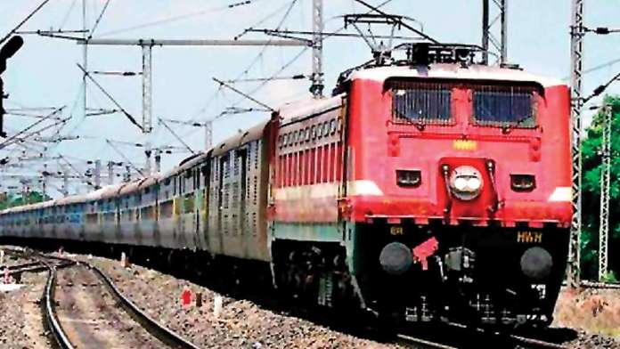Indian Railways arrest 900 touts over illegally booking train tickets amidst pandemic