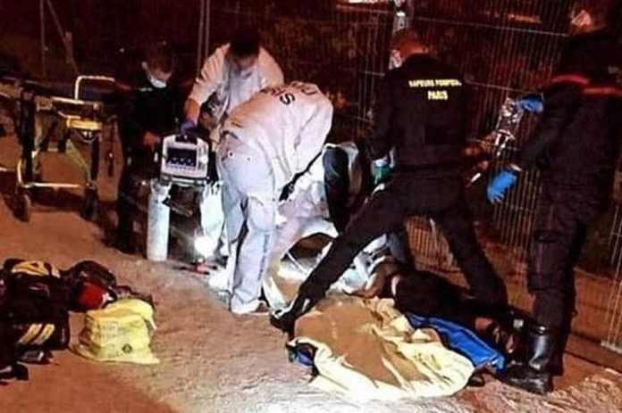 Two Muslim women stabbed under Eiffel Tower by white women