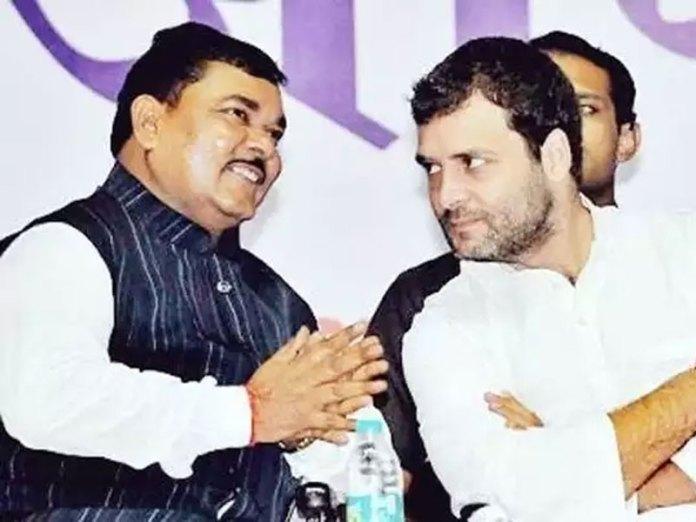 Shyoraj Jivan Valmiki with Rahul Gandhi