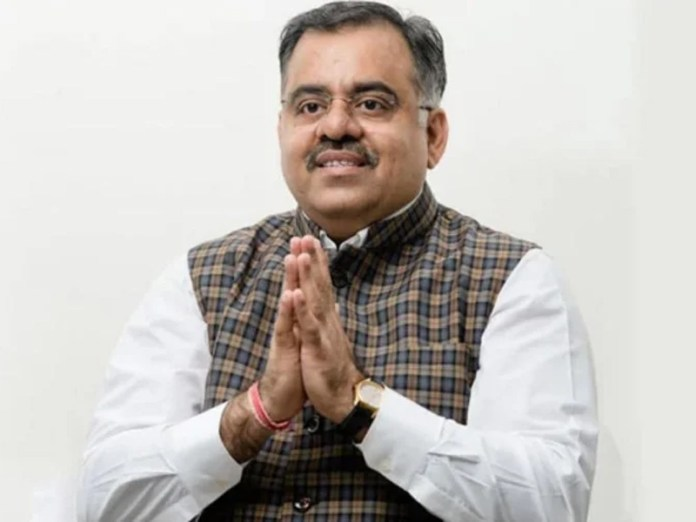 Tarun Chugh, BJP's general secretary has stated that the party will fight 2022 assembly elections solo