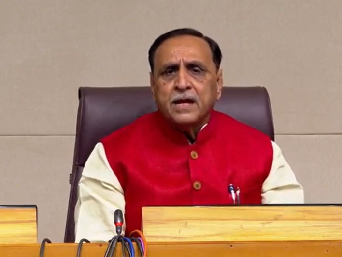 Vijay Rupani announces Gujarat new solar power policy