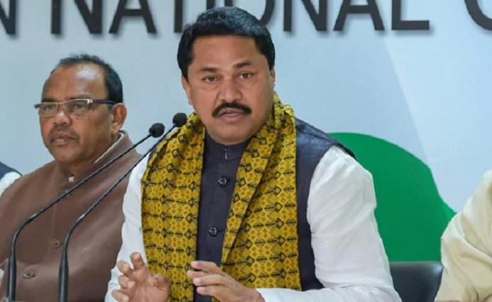 Maha Congress chief Nana Patole threatens actors Amitabh Bachchan and Akshay Kumar