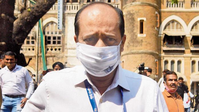 Sachin Vaze reaches NIA office to record statement