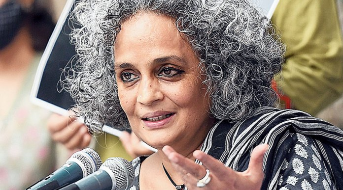Arundhati roy resorts to lying amidst the COVID-19 outbreak