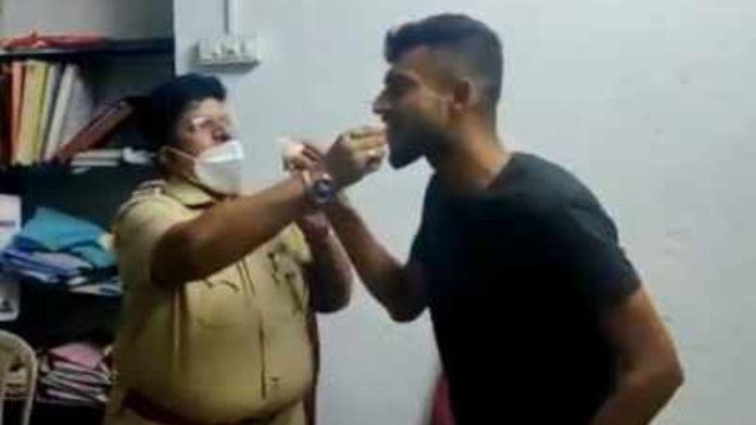 Mumbai police officer seen celebrating birthday of a history sheeter, feeding cake to criminal