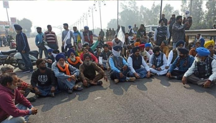 Farmer protestors cause loss of ₹2000 crores in toll collection