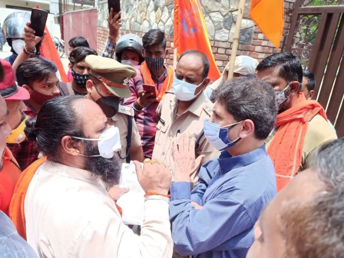 Bajrang Dal leaders in Dehradun have objected to the school serving Halal meat to Hindu students