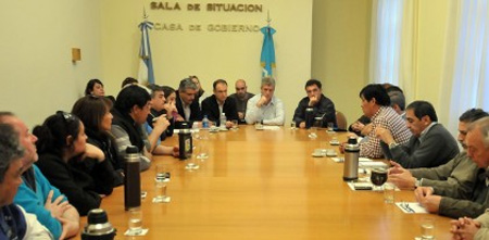 Reunión del Ministro Eliceche con sindicatos de la pesca y Domingo Segundo de Alpesca