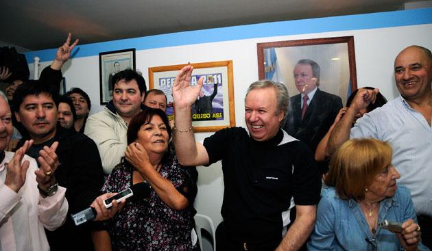 Cuando reasumió Peralta el cargo frente al PJ, comenzó a generarse el rechazo por lo del FPV y La Cámpora.Foto Archivo: acto del triunfo en el PJ provincial OPI Santa Cruz